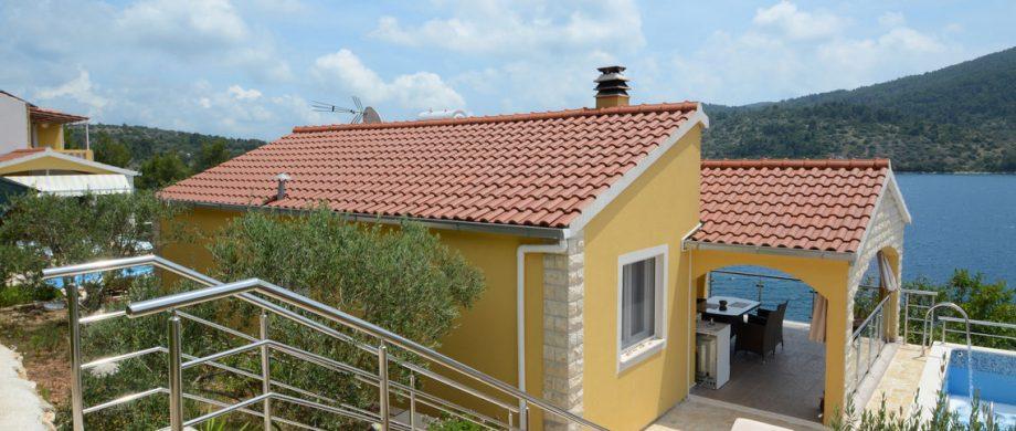 paradise-vela-luka-house-pool-15