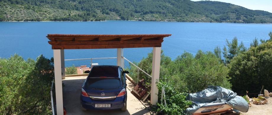 korcula-velaluka-holidayhome-paradise-parking-02