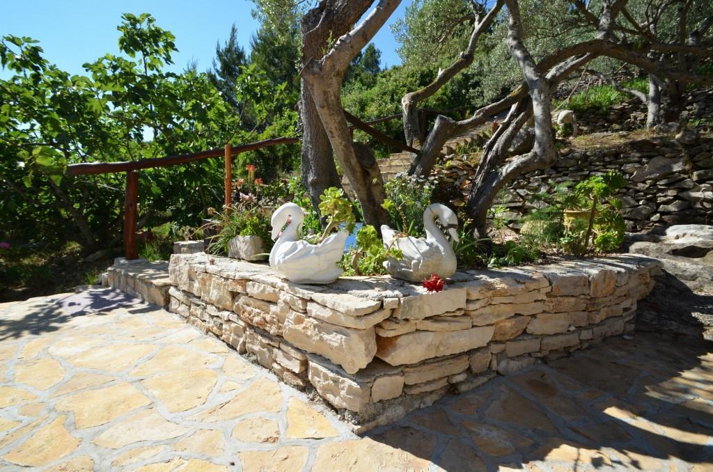 korcula-velaluka-holidayhome-paradise-topfloor-gardens-04