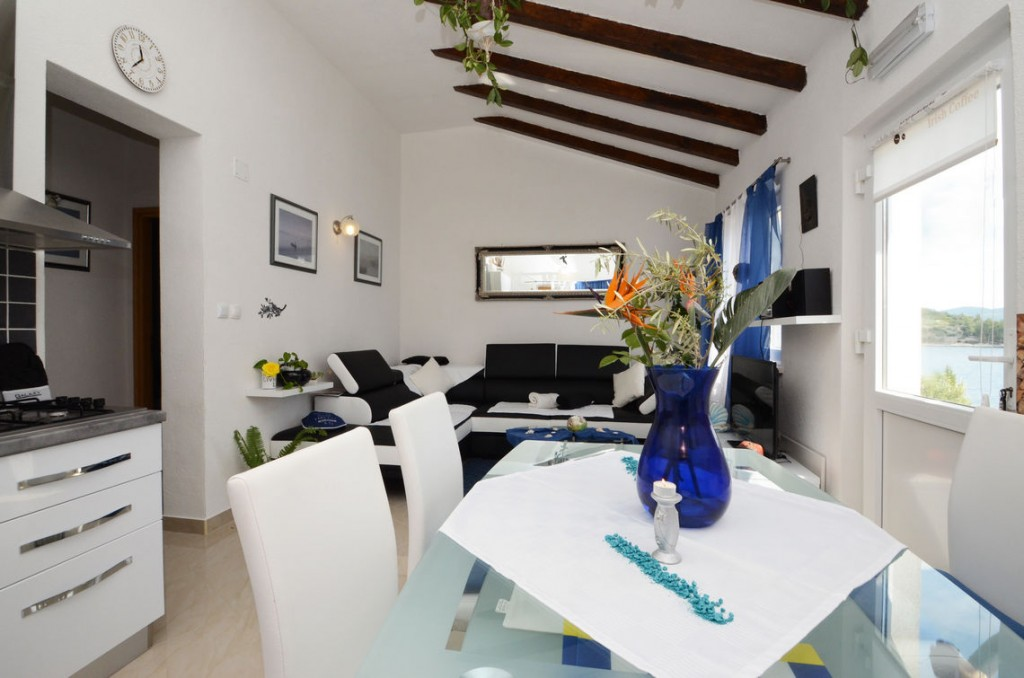 paradise-vela-luka-house-for-rent-kitchen-14