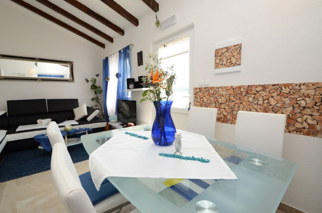 paradise-vela-luka-house-for-rent-kitchen-18