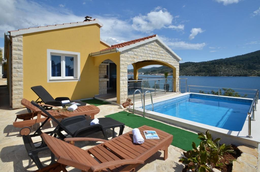 paradise-vela-luka-house-pool-08