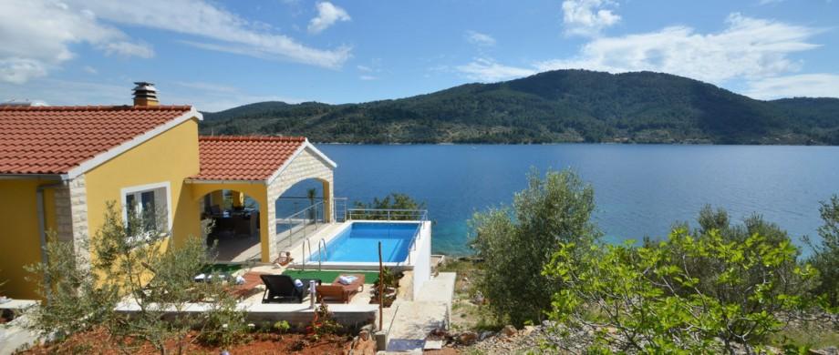 paradise-vela-luka-house-pool-10