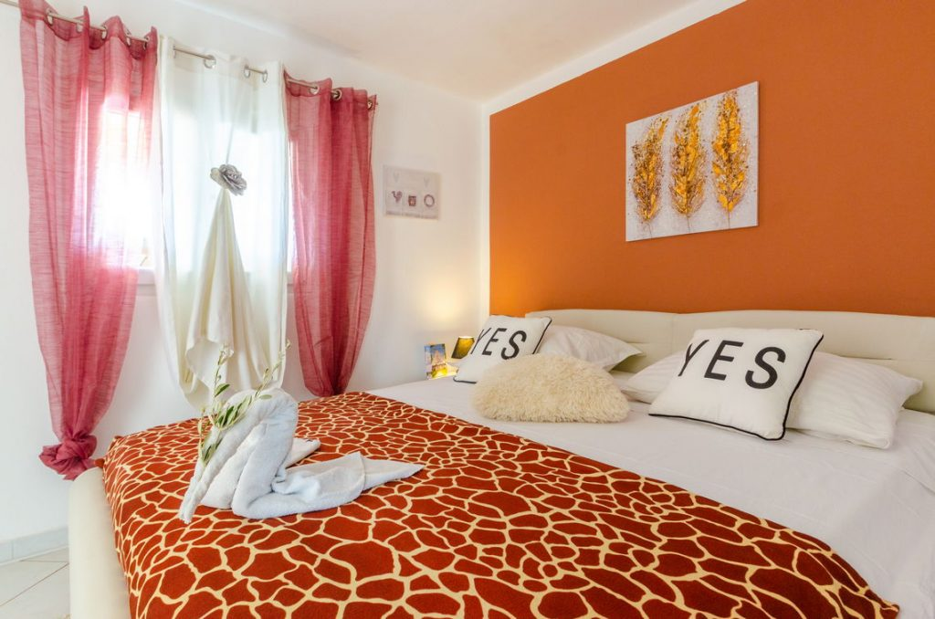 holiday-home-paradise-house1-groudfloor-bedroom2-10-2018-pic-03