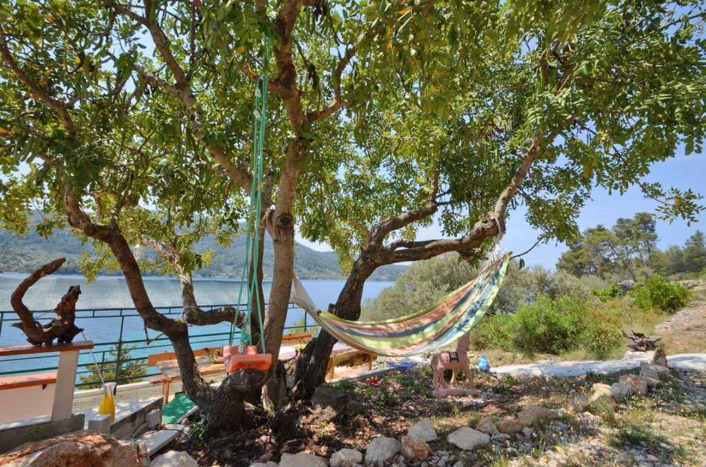 house-for-rent-vela-luka-paradise-carob-hammock-01