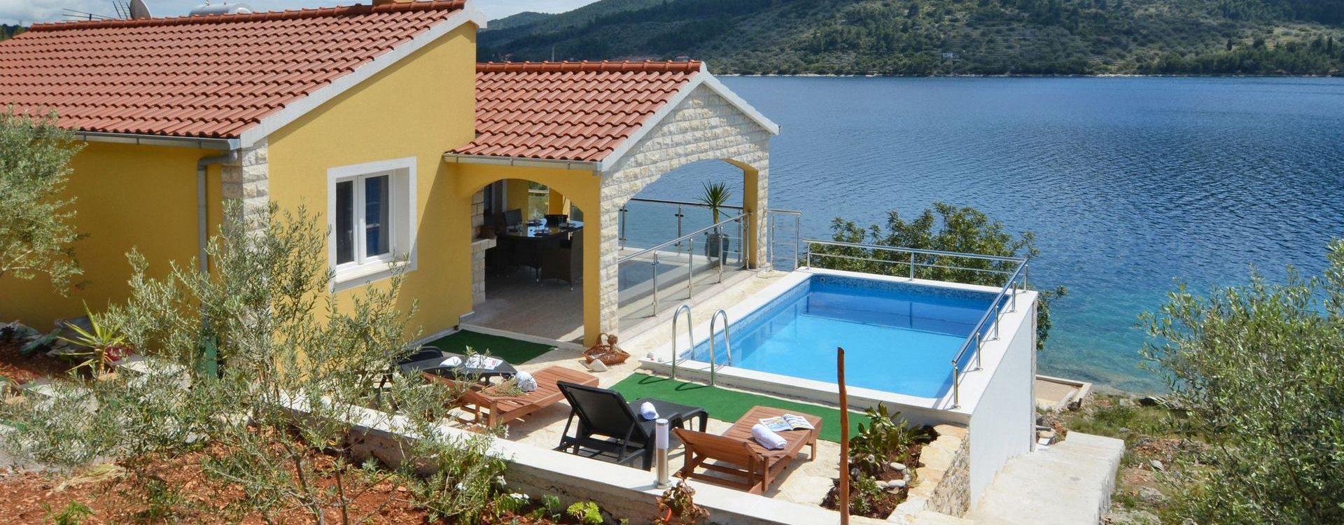 Kuća 2 – Vela Luka Paradise